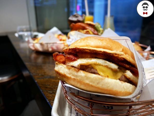 burger-benny-lt-collins-15