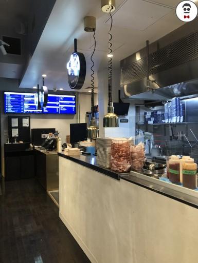 burger-benny-lt-collins-3