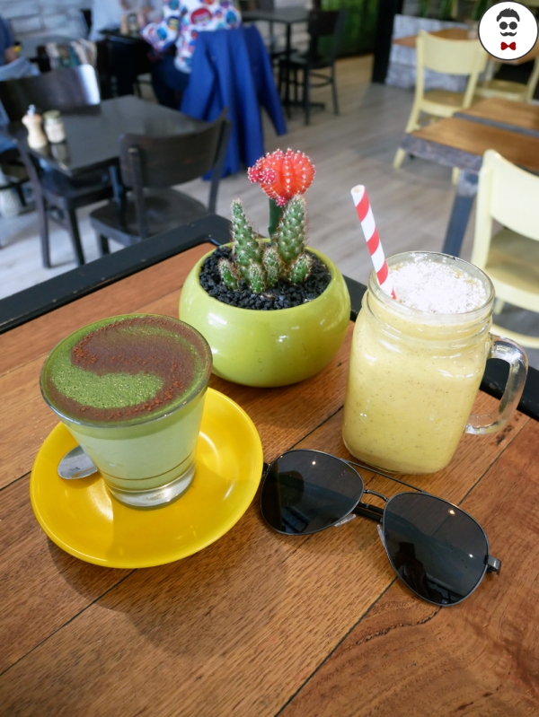 Matcha Latte and Mango Smoothies