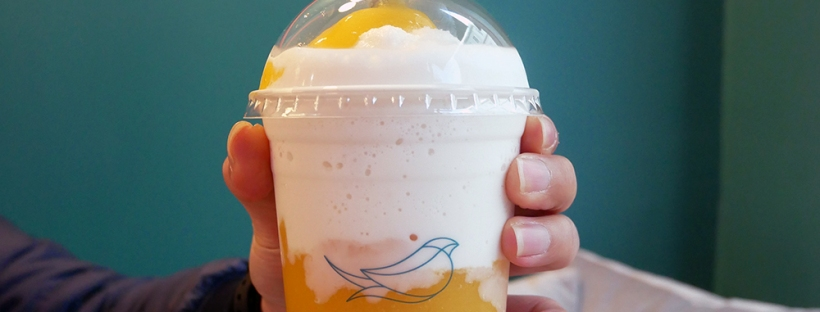 Mango Coconut Smoothie with Bird's Nest Jelly